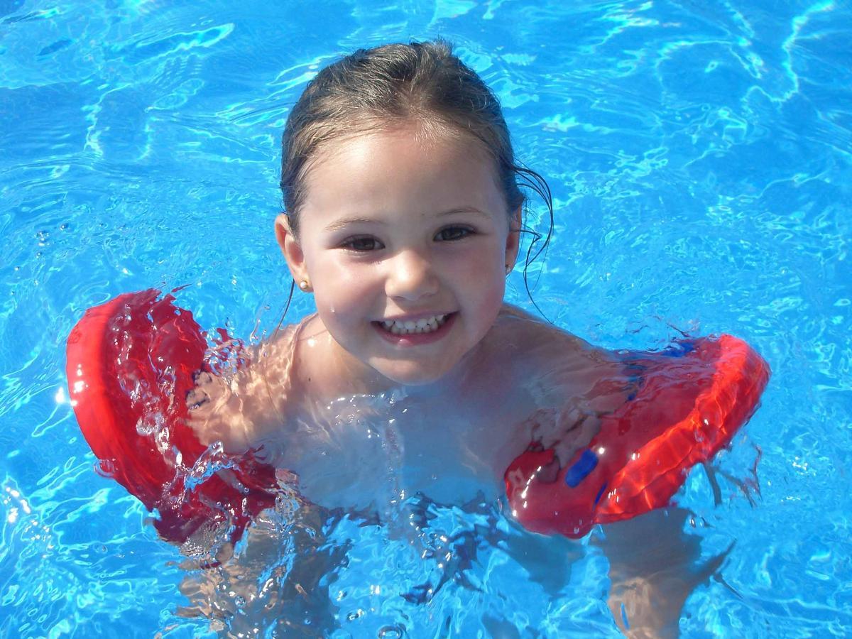 Manguitos de seguridad para bebes y ni os delphin disc for Manguitos piscina
